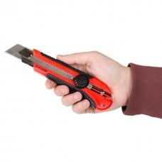 Ніж прорізний з металевою направляючої під лезо 25 мм з обрезиненной рукояткою. HT-0526 Intertool